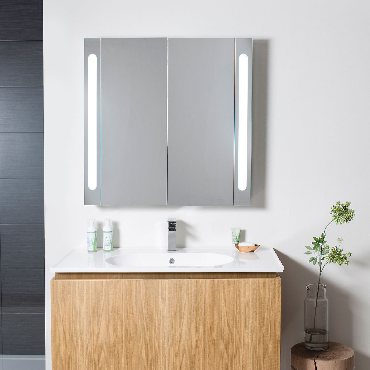 Electric mirrored cabinet 800 in electric lit mirrored for Kitchen cabinets 800mm